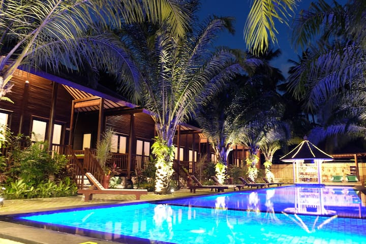 Luxury wooden villa in Senggigi - Senggigi  - Chalet