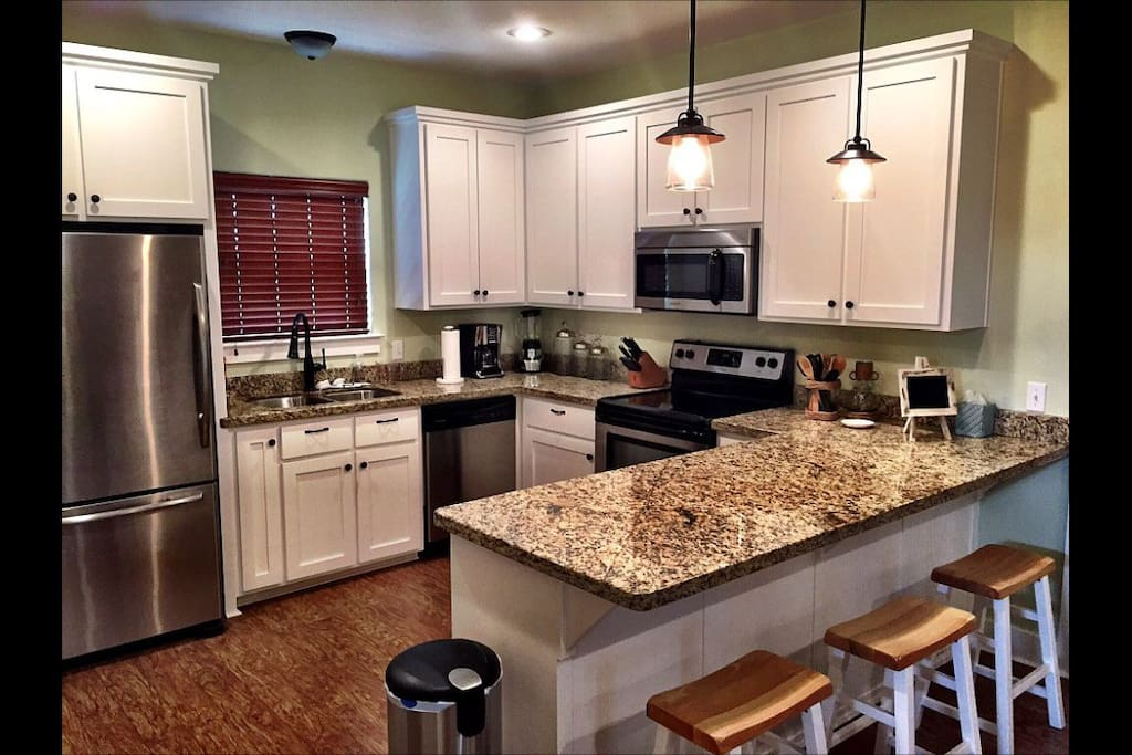 Nice kitchen with granite countertops