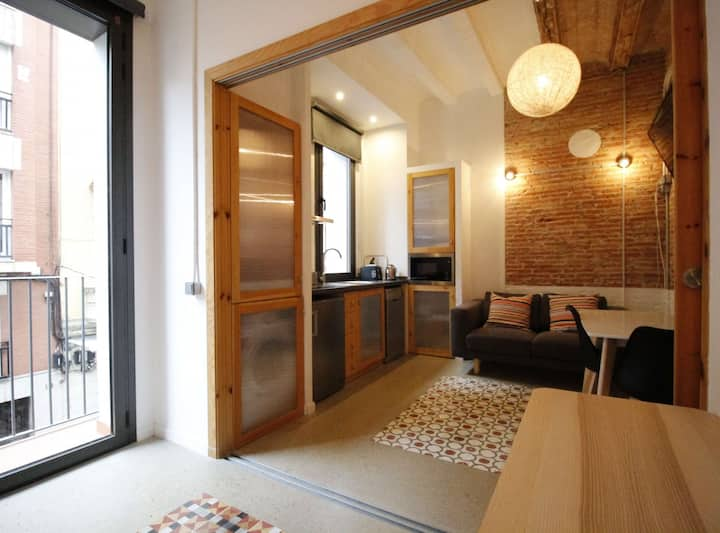 Central & Cozy Flat by Barcelona Touch Apartments