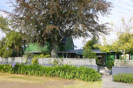 TroutBeck Fishing Lodge - Tauranga Taupo