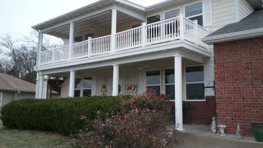 Beautiful home close to Branson MO - Kimberling City - Casa