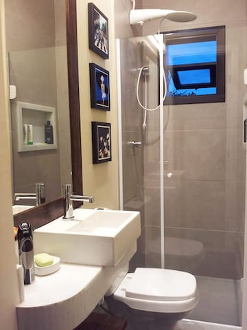 Banheiro Suíte 2 - Mezanino.