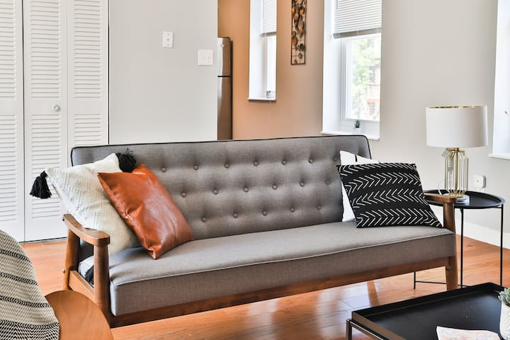 Relaxing Central West End 2BR Apt