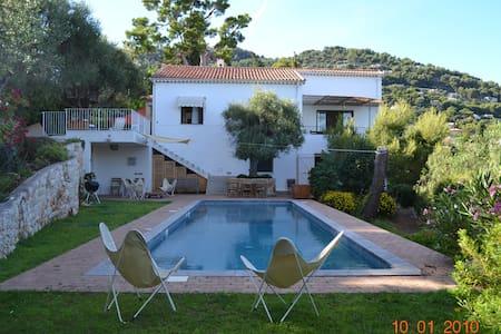 Spacious 5 bedrooms villa with pool scenic seaview - Roquebrune-Cap-Martin - วิลล่า