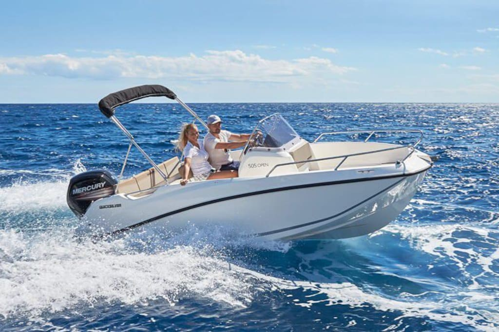 Quicksilver 505 open, 80 HP for 5 people