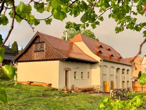 Herberk č7 - skromné venkovské stavení s hospůdkou