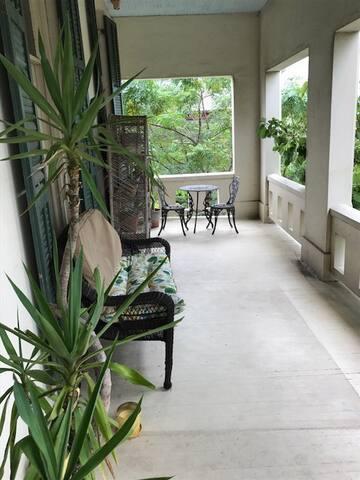 Island Palm balcony