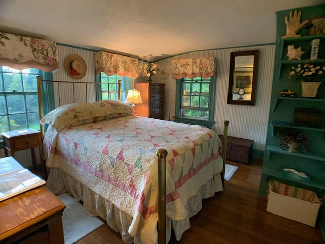 Cozy room with country charm