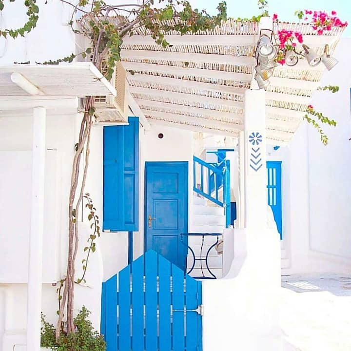 Eleanna's traditional room in Mykonos Town