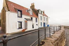 Traditional%2C+cosy%2C+seafront+cottage