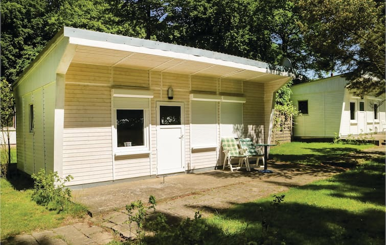 Holiday cottage with 1 bedroom on 26m² in Klein Strömkendorf