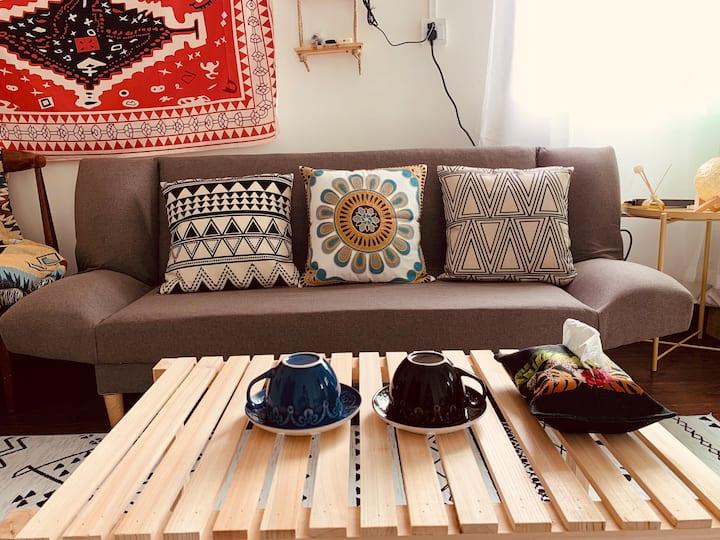 四方•摩洛哥/北师北理uic唐家/复古简约/2019年8月新装/100寸投影房/沙发可变沙发床