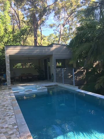 Bush Pool House