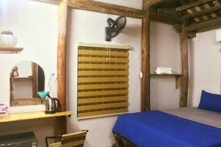 Căn nhà gỗ cổ bắc bộ