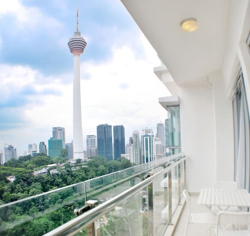 Balcony with Perfect KL Tower View (Bathtub)