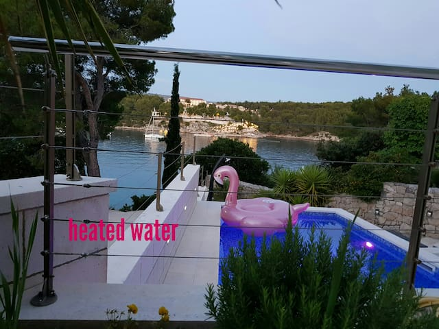 Villa Pia Brač Milna with private hot water pool