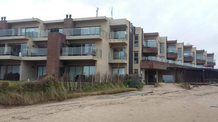 Hermoso departamento frente al mar en Las Gaviotas