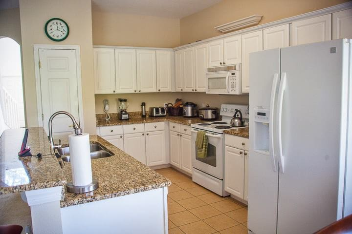Self contained beautiful kitchen overlooking living room 1
