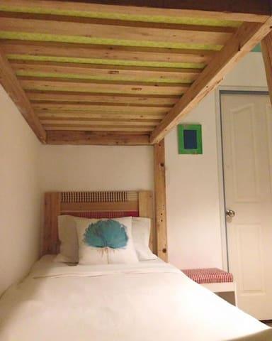 Esan loft room - Sattahip - Penzion (B&B)