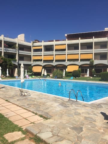 Cosy studio with Olympic size pool - Nea Makri - Flat