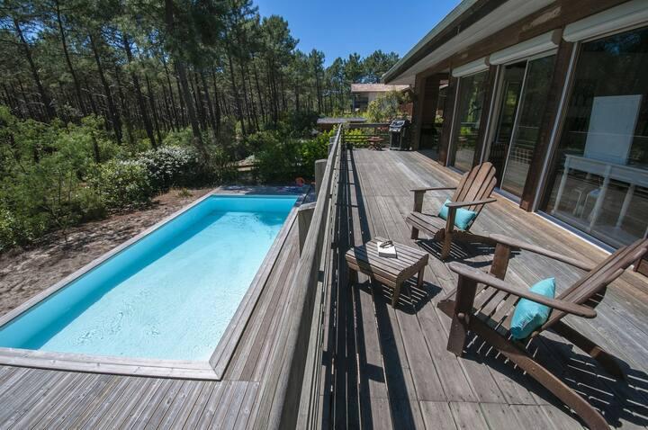 Très belle villa en bordure de forêt avec piscine chauffée - 82201