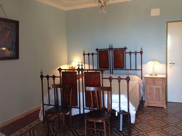 The main bedroom - La Stanza da letto principale