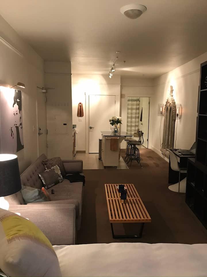 Modern Studio in heart of SoMa