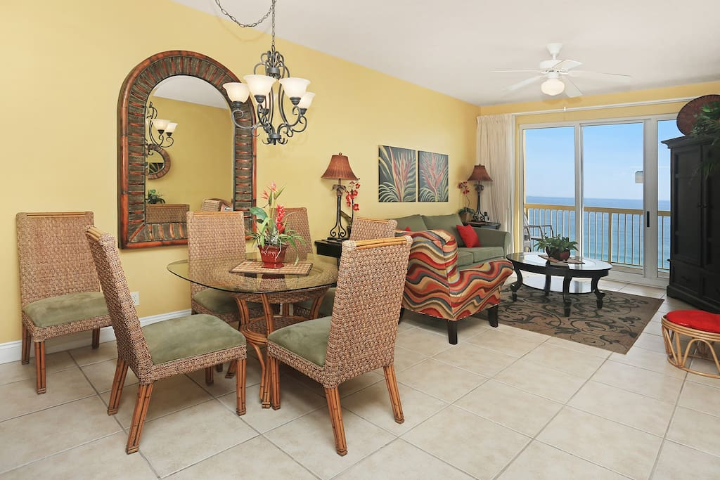 Dining Area & Family Room