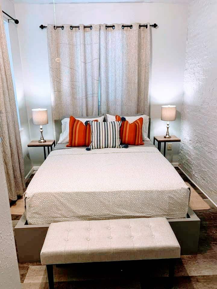 ✥The French Geyer✥Sleeps 5✥1 Mile to Downtown STL✥