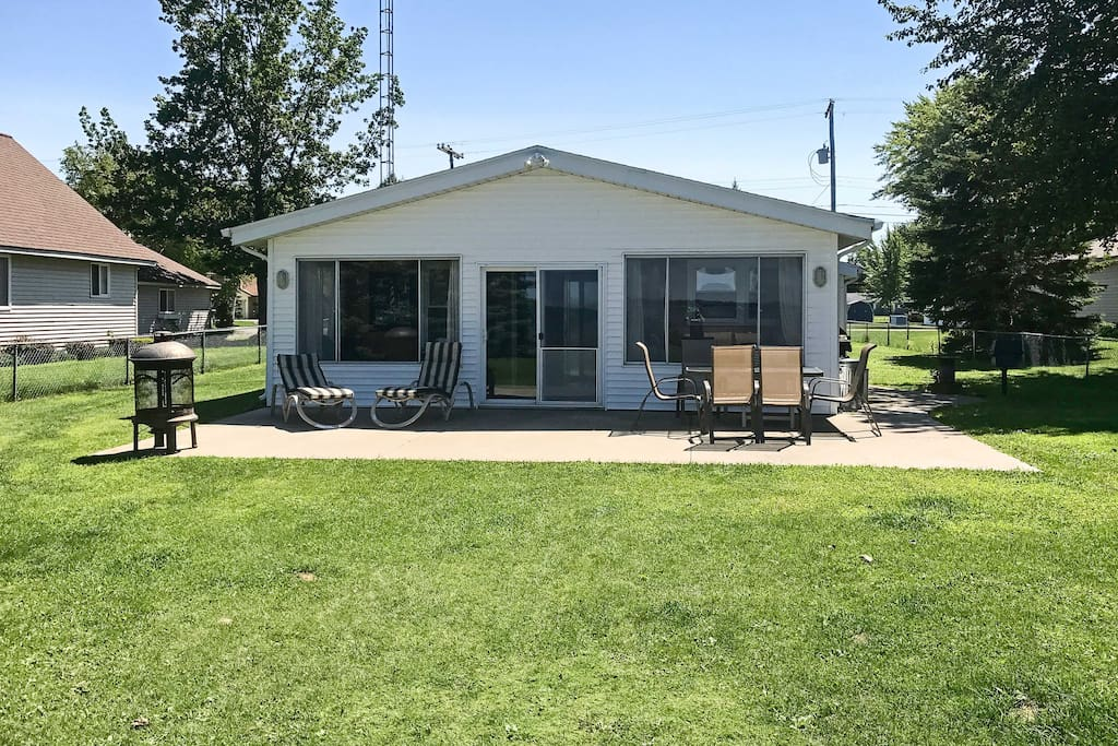 With a spacious yard and lakefront patio, this home ensures many relaxing days.