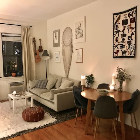 Dreamy, Boho 2 bedroom apt in the heart of Soho