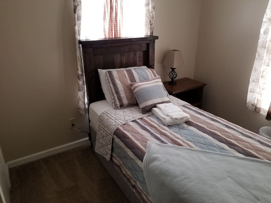 Beautiful bedroom (photo 1 of 2)