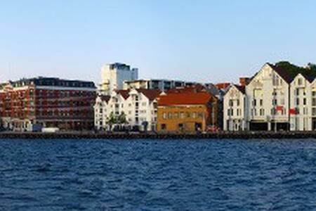 Studio 23 - 2 minutt gange til Stavanger sentrum! - Stavanger