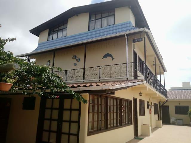 Apartamento com cozinha III (Pousada Isotton)