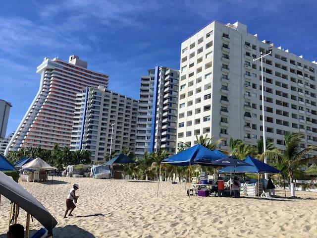 Costera  ¡departamento con playa y vista al mar!