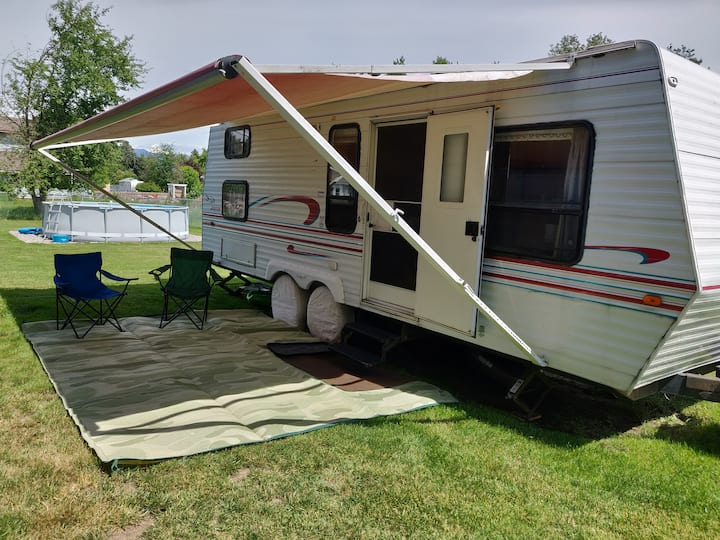 Camper - Close to Glacier Park With Amenities!