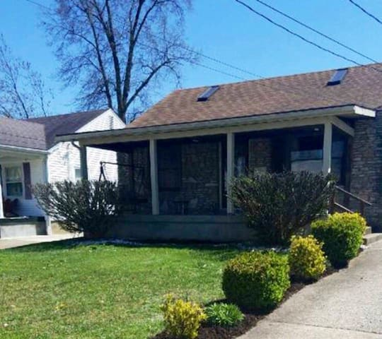 Cozy Chic Cottage: 4 mi to Airport/Expo/Downs!  #1