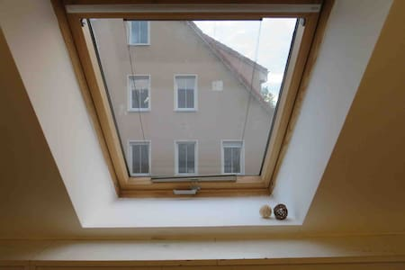 ATTIC SUITE - close to main station & TEAMVIEWER