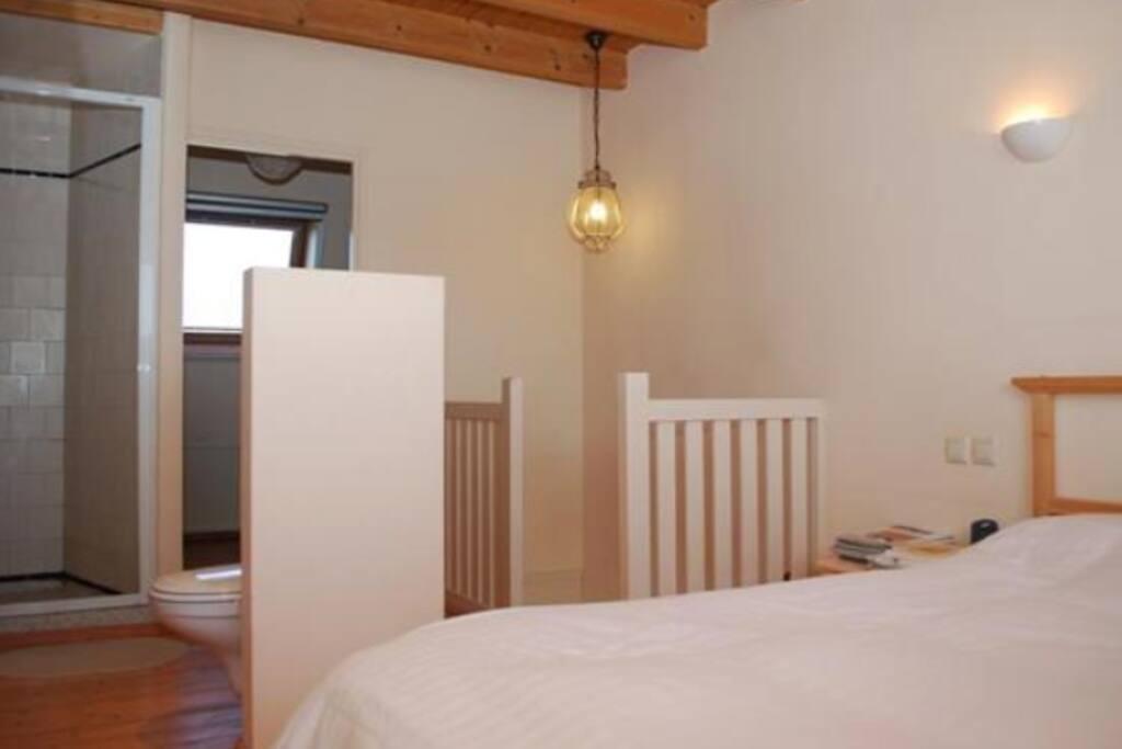 @2 Bedroom+shower / Chambre+douche / Schlafzimmer+Dusche / Camera con doccia / Dormatorio con ducha