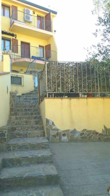 vista frontale della casa