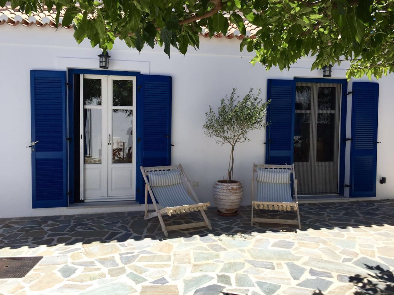 Guesthouse with separate entry