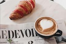 Dégustez un excellent café et prendre un  petit déjeuner tout en lisant son journal au Saint-Henri de Verdun