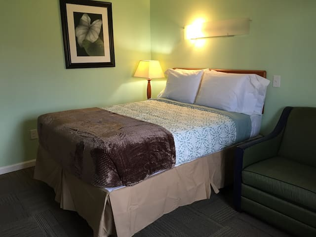The Chateau Suites at Valley Forge - Standard Room