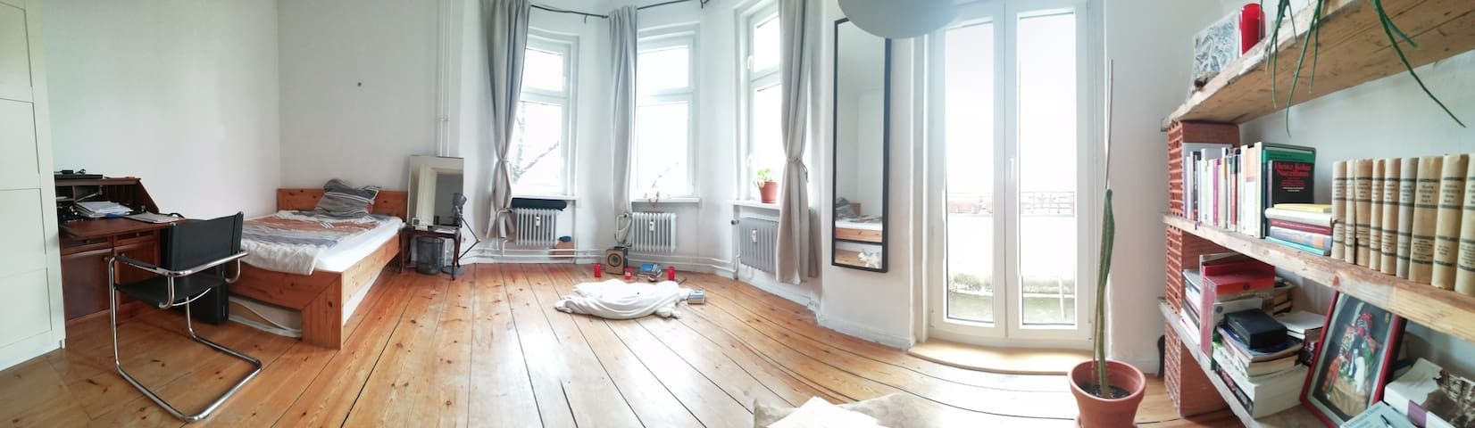 double room + living room + balcony (Neukölln)