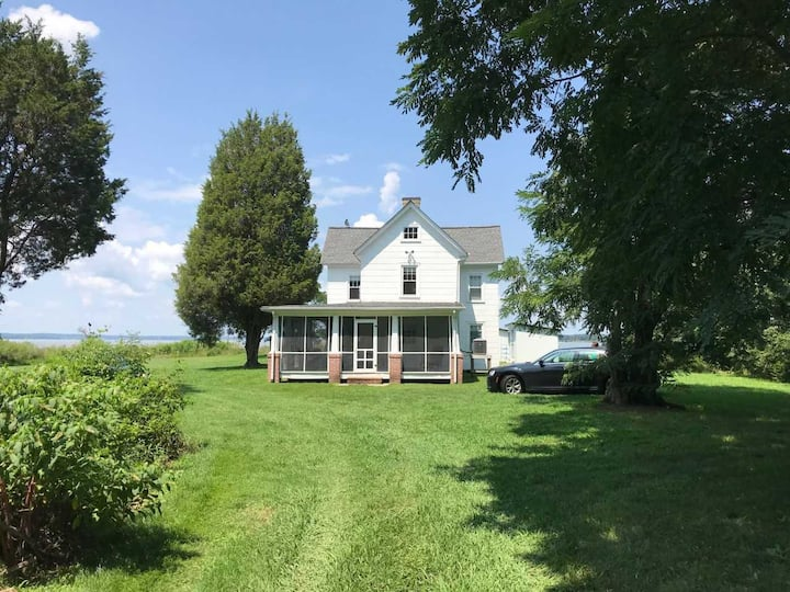 Waterfront 4 Bdrm Historic Home on River with Dock