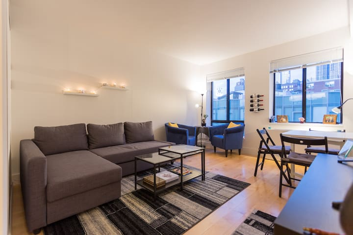 GORGEOUS Very Large Room next to Central Park!