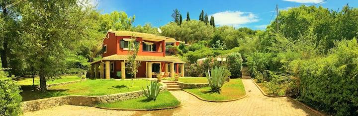 Beautiful Villa Medici Terra with private pool