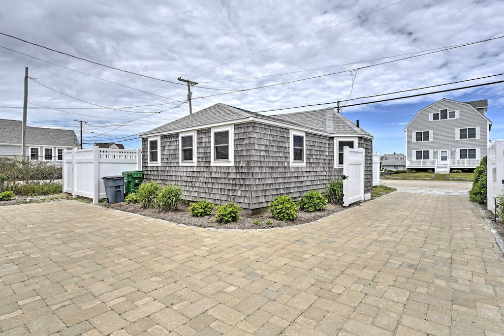 Quaint 2br wakefield beach cottage houses for rent in Beach houses in rhode island