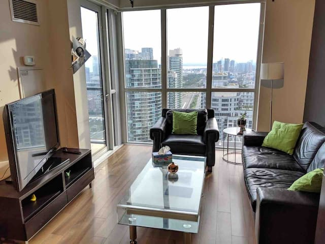 Best location next to CN tower with free parking