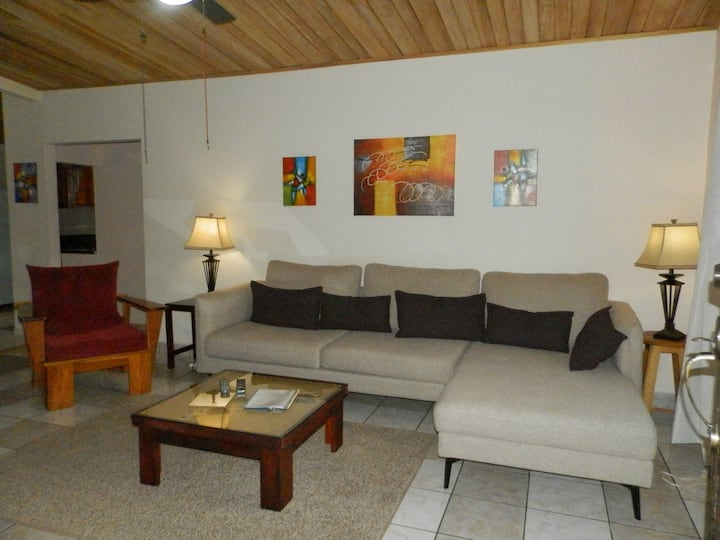 Boquete large 3 bedroom apartment walk to town